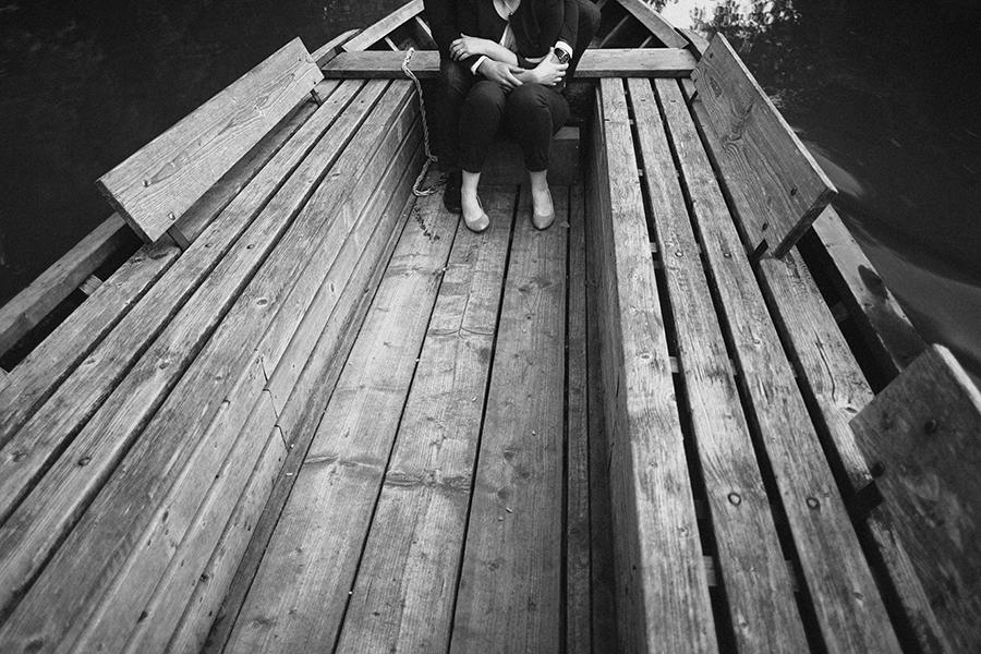 Séance-engagement-dans-les-marais-bacove-barque-Marine-Szczepaniak-photographe-mariage-nord-pas-de-calais-16