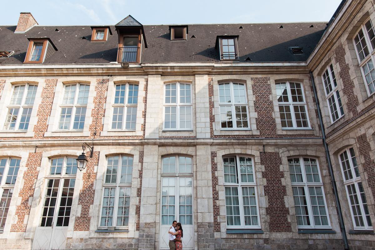 Séance-engagement-dans-le-vieux-Lille-Marine-Szczepaniak-Photographe-mariage-Nord-Pas-de-Calais-101